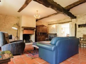 A seating area at Lovely Holiday Home with Private Pool in Tournon-d'Agenais