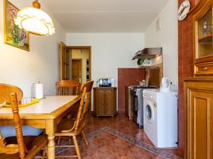 Кухня или мини-кухня в Апартаменты на Пресненском Валу