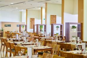 A restaurant or other place to eat at Hotel Sol Umag for Plava Laguna