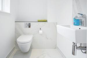 A bathroom at Gray's Inn road