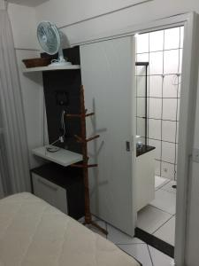 A bathroom at Prédio beira mar