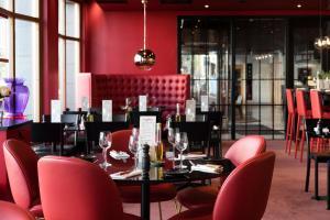 En restaurang eller annat matställe på Hotel Opera