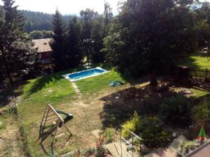 A view of the pool at Chata Alžběta or nearby