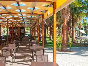 A restaurant or other place to eat at Sao Rafael Atlantico