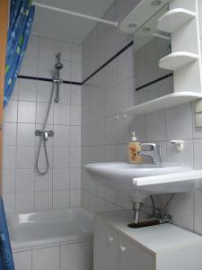 Ein Badezimmer in der Unterkunft Apartment-Vermietung wohnen-in-hope