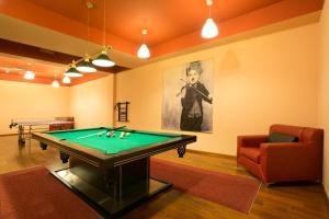 A billiards table at VIP Apartamenty Gorące Źródła