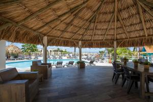 A restaurant or other place to eat at Bon Bini Seaside Resort Curacao