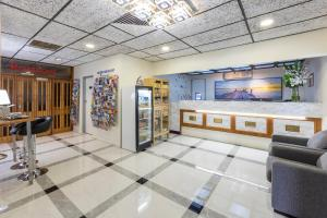 The lobby or reception area at Best Western Adelaide Granada Motor Inn