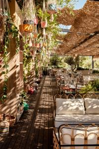 A restaurant or other place to eat at Bikini Island & Mountain Port de Soller