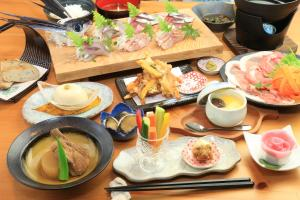 Breakfast options available to guests at Minshuku nicoichi