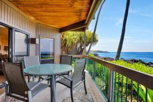 A balcony or terrace at Kanaloa at Kona by Castle Resorts & Hotels