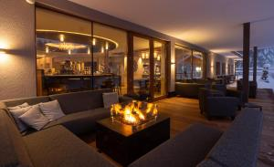 The lounge or bar area at Hotel Weiher Green Lake