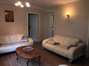 Ein Sitzbereich in der Unterkunft Ferienhaus Bergblick - mit Sauna und Dampfbad und Yacuzzi