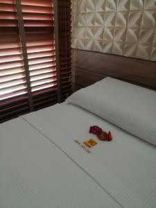 A bed or beds in a room at Cumbuco vg sun