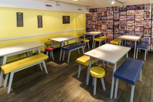 A restaurant or other place to eat at YHA London Central