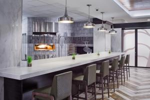 A kitchen or kitchenette at DoubleTree by Hilton Denver