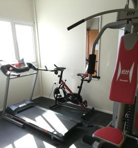 Gimnasio o equipamiento deportivo en Apart Hotel Via 51