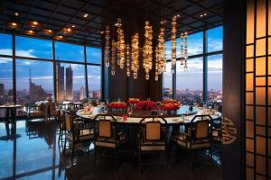 A restaurant or other place to eat at Bangkok Marriott Hotel The Surawongse
