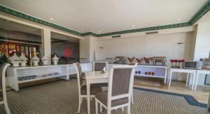 Restaurant ou autre lieu de restauration dans l'établissement Mogador Menzah Appart Hôtel