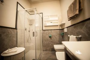 A bathroom at Alla Corte Delle Terme Resort & Ristorante