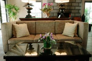 A seating area at Hotel Yountville