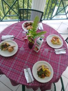 Breakfast options available to guests at Pink Rock Inn Bed and Breakfast