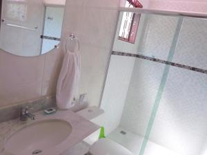 Um banheiro em Pousada Igarapé