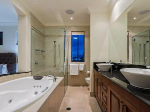 A bathroom at Fraser Beachside
