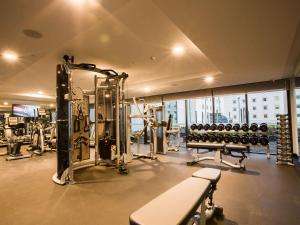 The fitness center and/or fitness facilities at Pullman Sydney Airport
