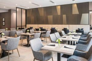 A restaurant or other place to eat at AC Hotel by Marriott Boston Cleveland Circle