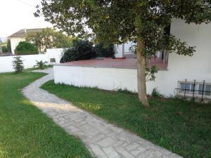 A garden outside MORADIA-BARCO DO PORTO