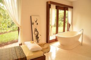 A bathroom at Amori Villas