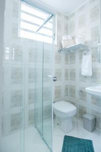 A bathroom at Sossego na Cidade Baixa