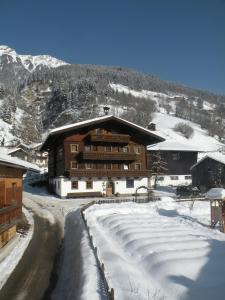 Tofererhof during the winter