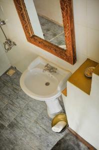 A bathroom at Zanzibar Coffee House
