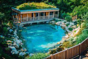 Výhled na bazén z ubytování Maximus Resort nebo okolí