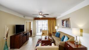 A seating area at Calypso Cay Vacation Villas