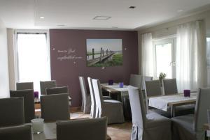 Ein Restaurant oder anderes Speiselokal in der Unterkunft Hotel Storchen