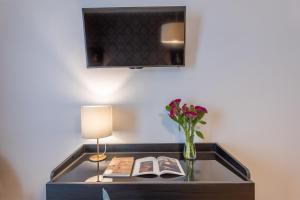 A cozinha ou cozinha compacta de 3110 ArtHotel