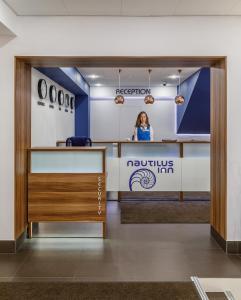 Лобби или стойка регистрации в Nautilus Inn