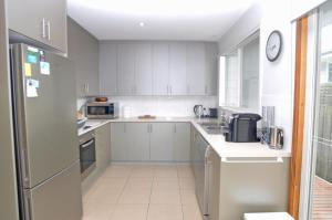 A kitchen or kitchenette at WELCOME BREAK - PET FRIENDLY