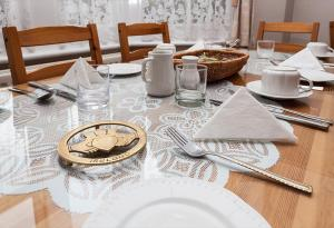 A restaurant or other place to eat at Gable End Guest House