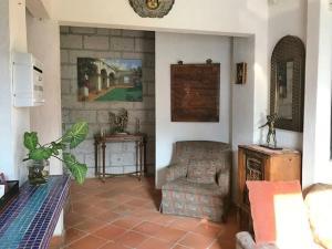 A seating area at Hotel Posada Mexicana