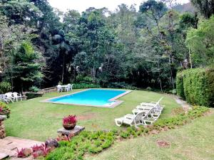 The swimming pool at or close to Fachoalto Budget