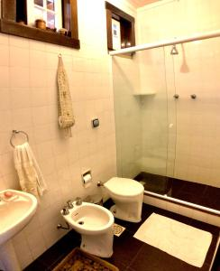 A bathroom at Fachoalto Budget