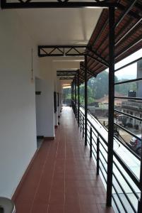 A balcony or terrace at Daswal B&B Hotel