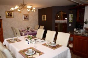 Restaurant ou autre lieu de restauration dans l'établissement La Romance