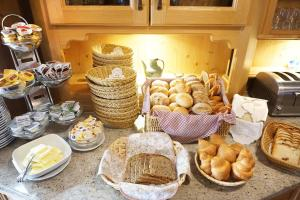 Breakfast options available to guests at Naturparkhotel Schwarzwaldhaus
