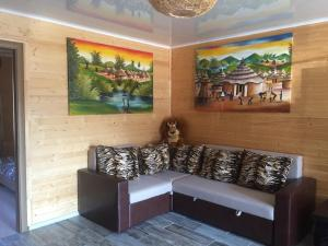 A seating area at Bungalow Afrika