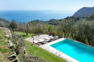 A view of the pool at Eremo della Maddalena or nearby